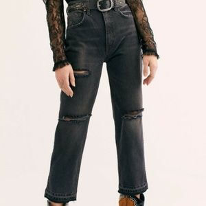 We The Free Lita Crop High Rise Black Ripped Jeans